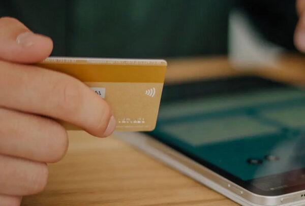 e-ticarette link ile ödeme almayı temsil eden fotoğraf