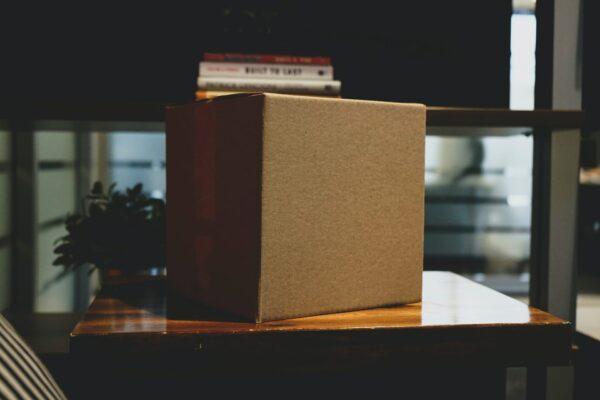 Trendyol Teslimat Noktası için sipariş paketini temsil eden fotoğraf