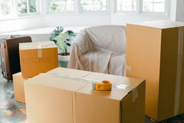 kargo firmalarına gönderi hazırlamayı temsil eden görsel