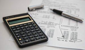 e-ticarette gelir-gider hesaplamayı temsil eden görsel